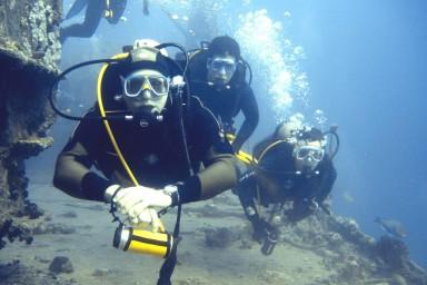 Martin und einige Freunde der Rangers auf Tauchexpedition im Roten Meer 2005